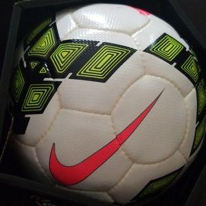 NWT!!! Nike Soccer ball